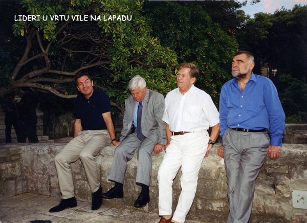 http://www.montenegro.org.au/crvenko13.jpg